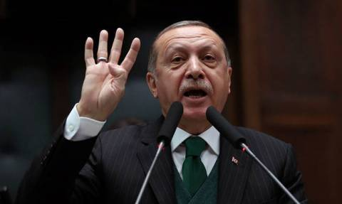 Ραγδαίες εξελίξεις: Ετοιμάζεται να εισβάλει πιο βαθιά στη Συρία ο Ερντογάν