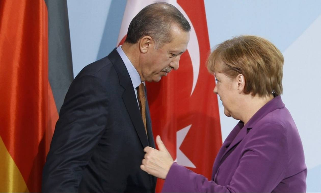Παρέμβαση Μέρκελ για την απελευθέρωση των Ελλήνων στρατιωτικών: Τι απαντά η Γερμανία
