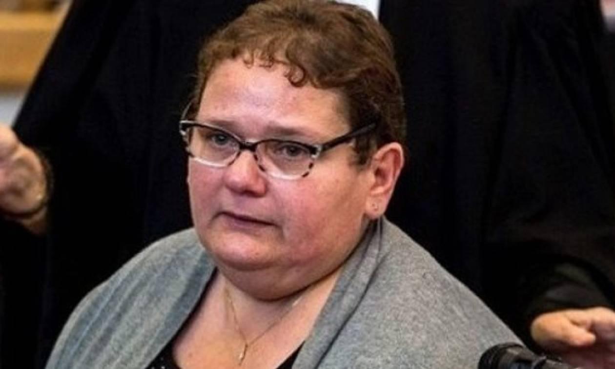 Φρίκη: Έπνιξε πέντε νεογέννητα παιδιά της στην μπανιέρα και τα έκρυψε στον καταψύκτη
