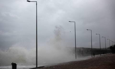 Έκτακτο δελτίο επιδείνωσης καιρού: Νέο κύμα κακοκαιρίας με ισχυρές καταιγίδες και χιονοπτώσεις