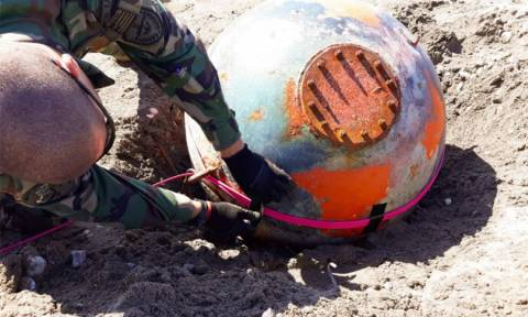 Απίστευτες εικόνες: Το Πολεμικό Ναυτικό εξουδετέρωσε νάρκες στο Μεσολόγγι (pics)