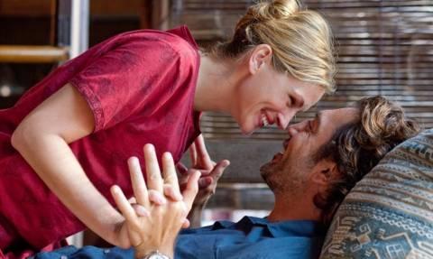 Οι 4 ατάκες που ΚΑΘΕ γυναίκα λατρεύει να ακούει από το στόμα του άντρα!