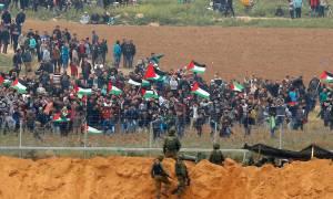 Γάζα: «Κινδυνεύουν όσοι πλησιάζουν τα σύνορα», απειλεί το Ισραήλ - Ένας ακόμη Παλαιστίνιος νεκρός