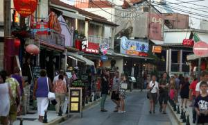 Πάσχα 2018: «Πλημμύρα» τουριστών στην Κέρκυρα