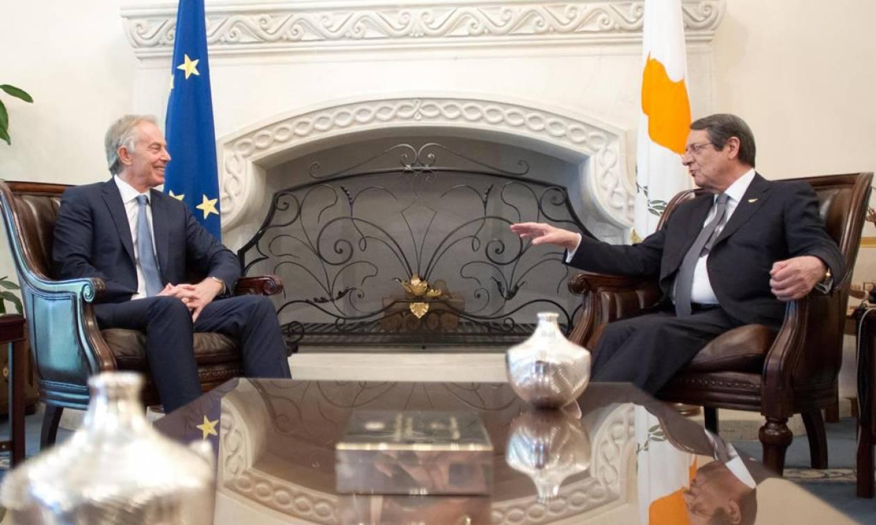 Το Κυπριακό στο επίκεντρο της συνάντησης Αναστασιάδη - Μπλερ