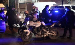 Αιματηρή συμπλοκή στο κέντρο της Θεσσαλονίκης: Ένας τραυματίας, επτά προσαγωγές
