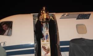 Μεγάλο Σάββατο - Πάσχα 2018: Με έκτακτες και προγραμματισμένες πτήσεις η μεταφορά του Αγίου Φωτός
