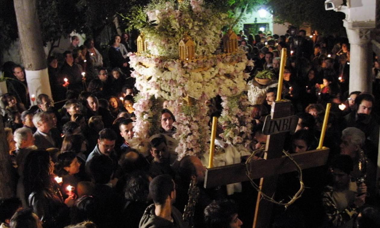 Θεσσαλονίκη: H περιφορά των Επιταφίων φέρνει περιορισμούς στην κυκλοφορία