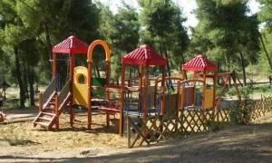 Ποιοι χαμηλόμισθοι και άνεργοι μπορούν να στείλουν τα παιδιά τους σε κατασκηνώσεις