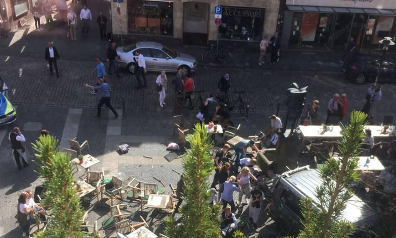 Με αίμα βάφτηκε το Μ. Σάββατο στη Γερμανία: Αυτοκίνητο έπεσε πάνω σε πλήθος στο Μύνστερ (vids+pics)