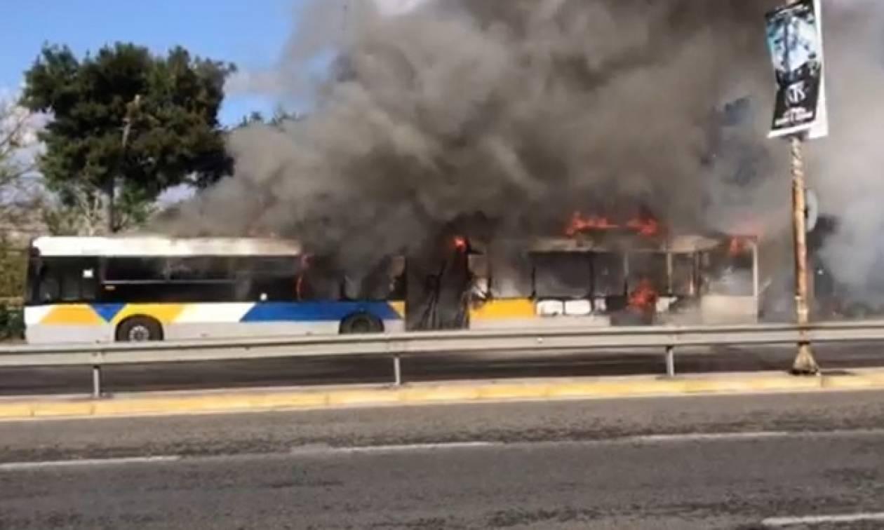 Συναγερμός στην Ποσειδώνος: Φωτιά σε αστικό λεωφορείο με πολλούς επιβάτες