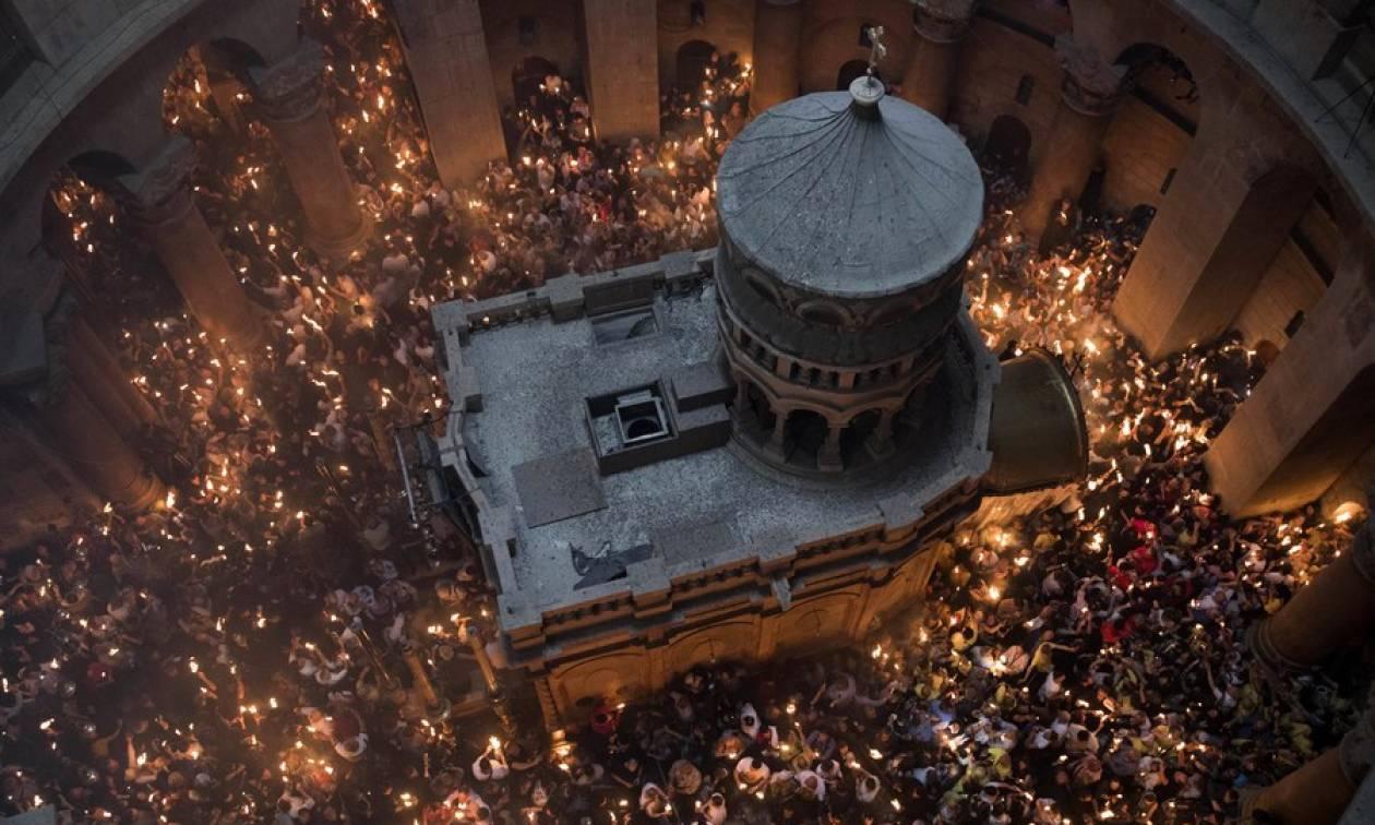 Πάσχα 2018: Συγκίνηση και δέος στην τελετή αφής του Αγίου Φωτός στα Ιεροσόλυμα