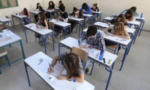 Πανελλήνιες - Πανελλαδικές: Η εισαγωγή στα ΑΕΙ θα εξαρτάται από το βαθμό του απολυτηρίου