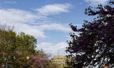 Καιρός για βόλτα η Δευτέρα του Πάσχα - Δείτε πού και πότε θα σημειωθούν βροχές (pics)