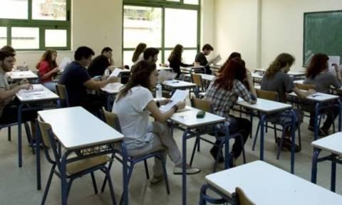 Πανελλήνιες 2018: Σε ρυθμούς πανελλαδικών εξετάσεων οι υποψήφιοι