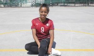 Απίστευτη ντρίμπλα σε γυναικείο ποδόσφαιρο που παίρνει βραβείο Όσκαρ! (video+photos)