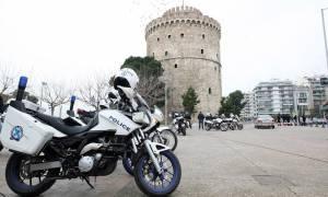 Θεσσαλονίκη: Φορτηγάκι με παράτυπους μετανάστες εμβόλισε όχημα της ΕΛ.ΑΣ.
