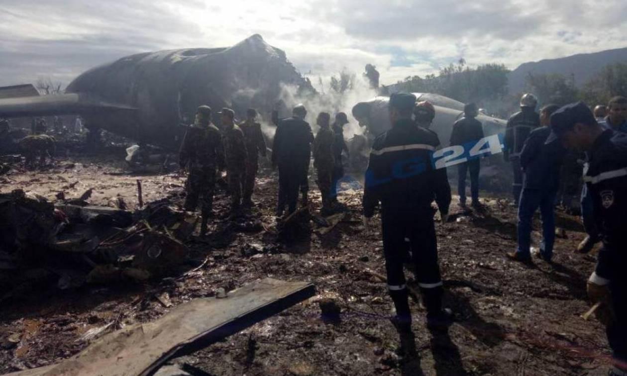 Θρήνος στην Αλγερία: Τουλάχιστον 257 οι νεκροί από τη συντριβή του στρατιωτικού αεροσκάφους