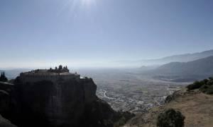 Καιρός τώρα: Παρασκευή και 13 με καλοκαιρινό καιρό και σκόνη από την Αφρική (pics)