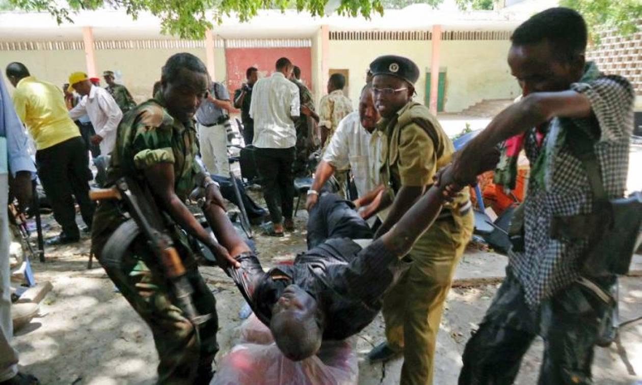 Εικόνες - Σοκ στη Σομαλία: Έκρηξη βόμβας σε ποδοσφαιρικό αγώνα - Τουλάχιστον πέντε φίλαθλοι νεκροί