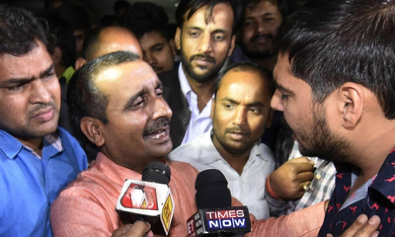 Φρίκη και οργή στην Ινδία: Βουλευτής κατηγορείται ότι βίασε ανήλικο κορίτσι (Pics+Vid)