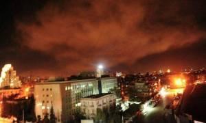 Πόλεμος Συρία: Οι πρώτες εικόνες από τη φλεγόμενη Δαμασκό