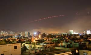 Για μια ολόκληρη ώρα βομβάρδιζαν τη Συρία ΗΠΑ, Βρετανία και Γαλλία (videos+pics)