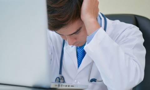 Οι γιατροί στα όριά τους από τις εξοντωτικές εφημερίες