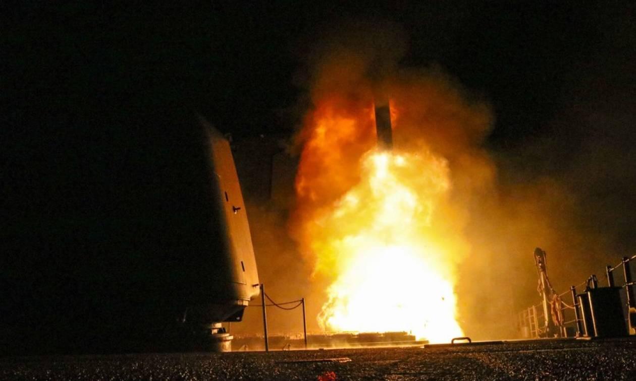 Επίθεση στη Συρία: Οι πρώτες εικόνες από τους βομβαρδισμούς (vids)
