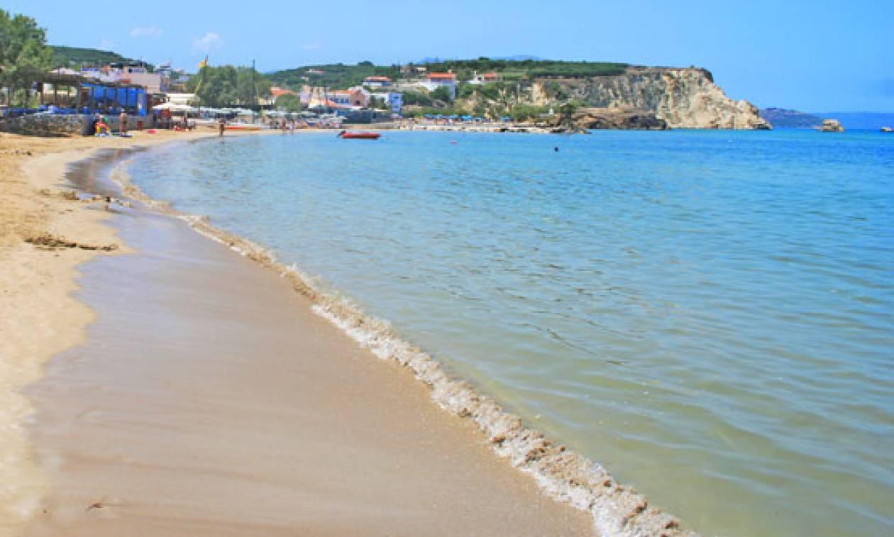 Συγκλονιστικές εικόνες: Η κατολίσθηση που άλλαξε δραματικά το τοπίο διάσημης παραλίας της Ελλάδας