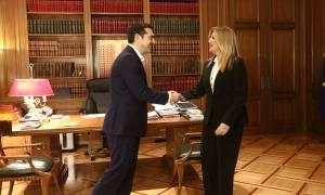 Ανατροπή: Ο Τσίπρας φέρνει στη Βουλή την πρόταση της Γεννηματά για απλή αναλογική