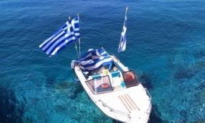 «Τούρκοι κομάντος κατέβασαν την ελληνική σημαία»: Άλλα λέει ο Τσαβούσογλου, άλλα ο Γιλντιρίμ!