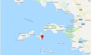 «Δεν κατέβασαν τη σημαία! Μόνο πάνω από το πτώμα μας», λένε στο Newsbomb.gr κάτοικοι