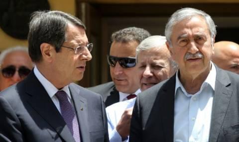 Τις διαφωνίες που τους χωρίζουν διαπίστωσαν Αναστασιάδης και Ακιντζί