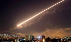 Πυραυλικές επιθέσεις σε δύο αεροδρόμια στη Συρία