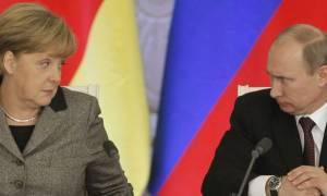Μέρκελ: Τα είπε τηλεφωνικά με Πούτιν αλλά ελπίζει σύντομα και από κοντά