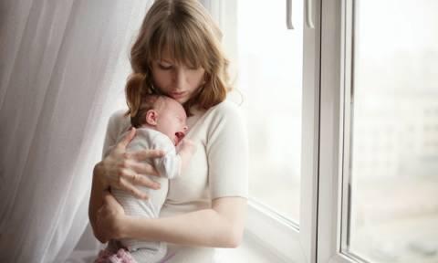 Νεογέννητο και υπερβολικό κλάμα: Ηρεμήστε το με 8 απλά βήματα