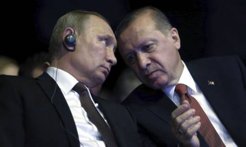 Δραματικές εξελίξεις: «Όχι» Ερντογάν στον Πούτιν για απελευθέρωση των δύο στρατιωτικών