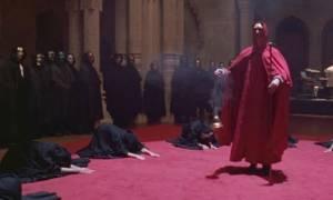 ΣΟΚ: Γνωστή ηθοποιός «κρατούσε» γυναίκες ως σκλάβες του σεξ και τραβούσε ακατάλληλα βίντεο μαζί τους