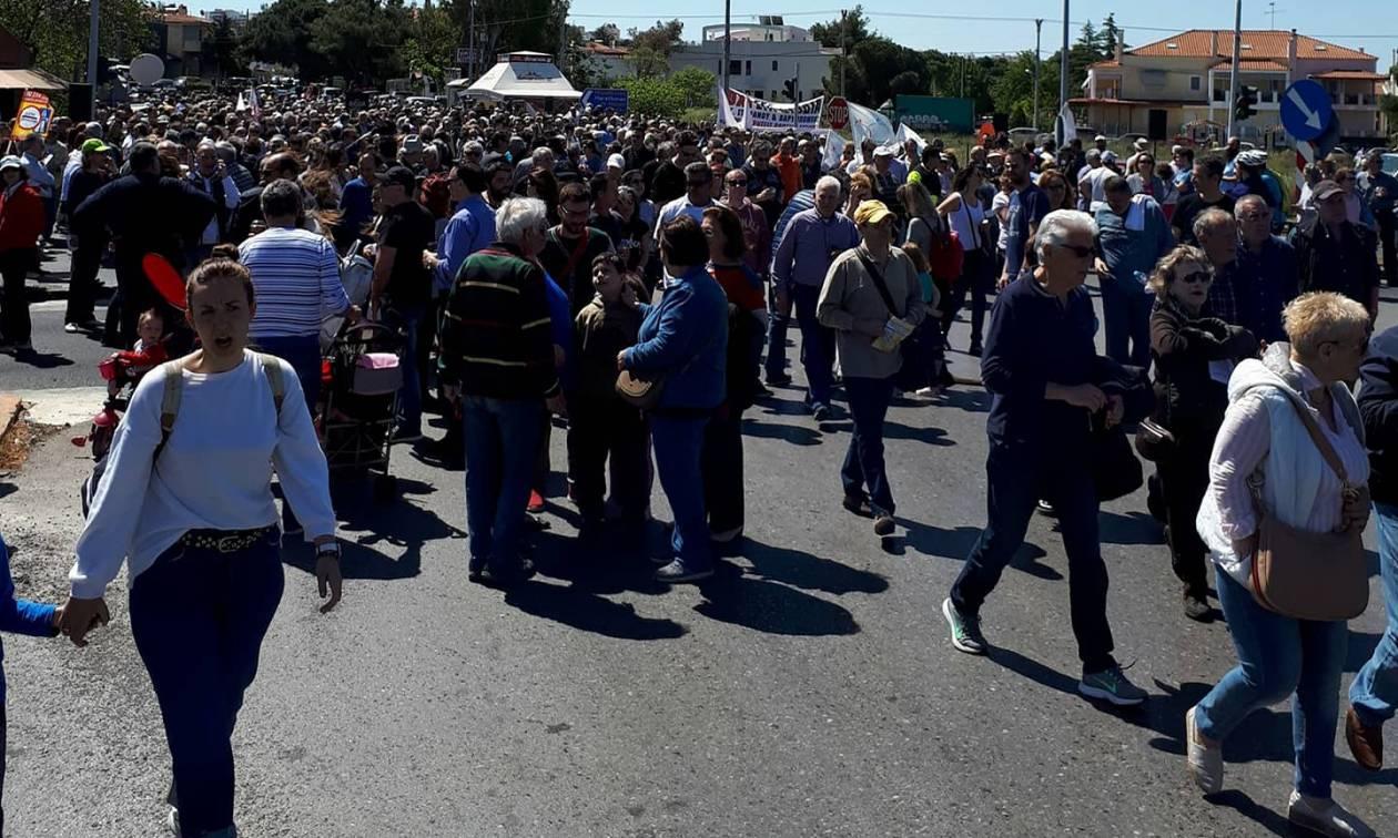 Γέφυρα Βαρυμπόμπης: Συγκέντρωση διαμαρτυρίας κατά των διοδίων (pics)
