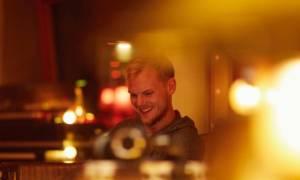 Avicii: Μυστήριο η αιτία θανάτου του – Η τελευταία φωτογραφία και η «μαγική» μουσική που ετοίμαζε