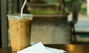 Το απόλυτο κόλπο για να μην... νερώνει ο καφές σας!