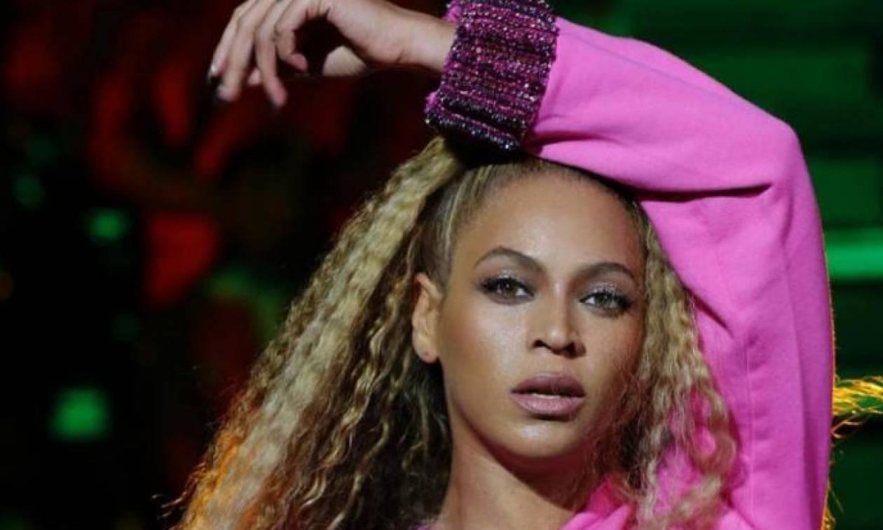 Πώς ο makeup artist της Beyoncé αφαιρεί τη λιπαρότητα από το πρόσωπό της