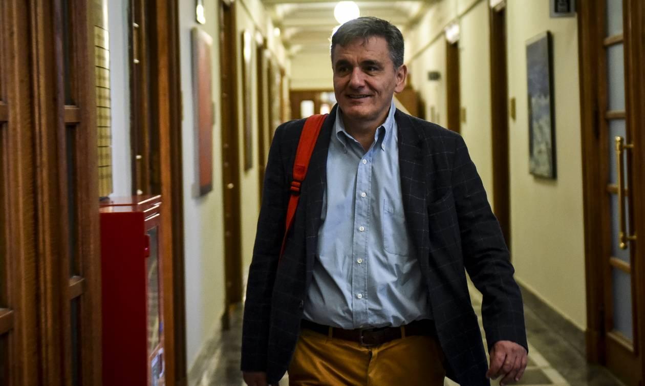 ΥΠΟΙΚ: «Πολιτικά ευφάνταστες» οι ερμηνείες των δηλώσεων Τσακαλώτου στους FT