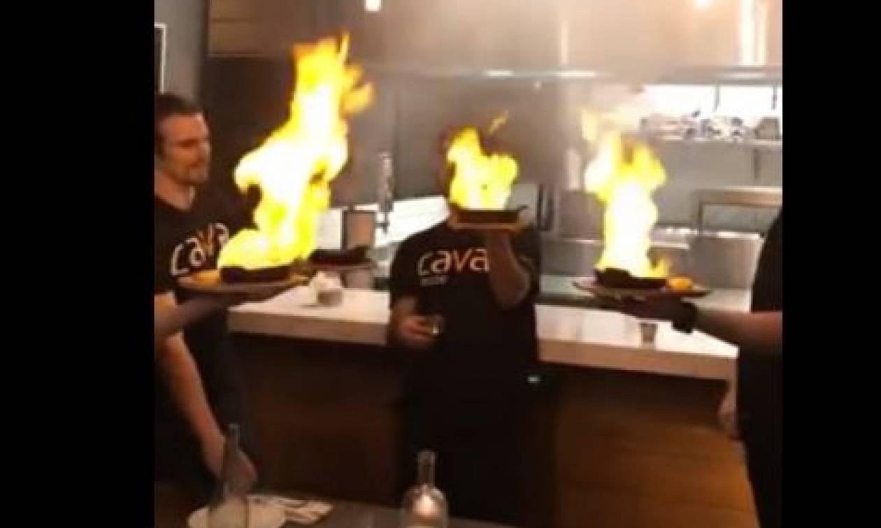 Ερασιτέχνες σεφ έβαλαν φωτιά στο σαγανάκι και... Δεν φαντάζεστε τι ακολούθησε (video)