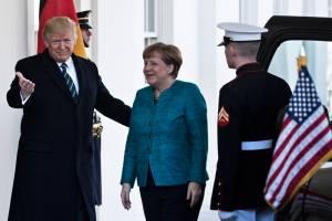 Τετ α τετ Μέρκελ-Τραμπ: Στο ... μενου το ελληνικό χρέος