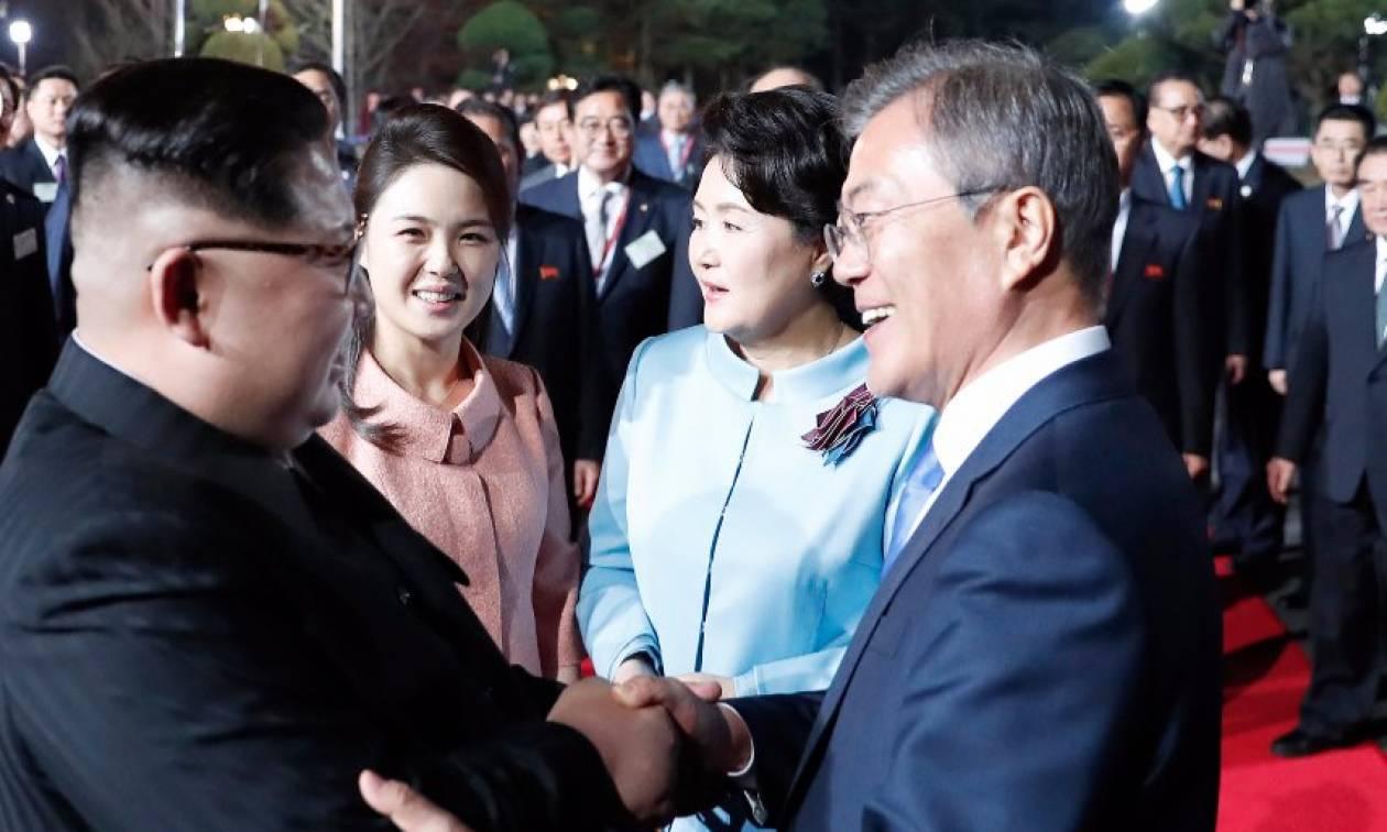 Ενθουσιασμός στη Βόρεια Κορέα για την ιστορική συνάντηση Κιμ Γιονγκ Ουν - Μουν Τζε-ιν