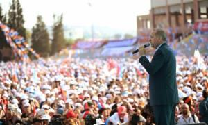 Προκλητικά ανιστόρητος ο Ερντογάν: «Η Σμύρνη κάηκε από Έλληνες στρατιώτες»