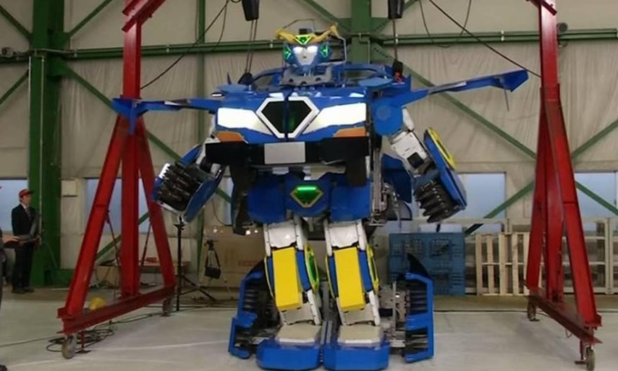 Απίστευτο: Το πρώτο αληθινό transformer είναι γεγονός! (video)