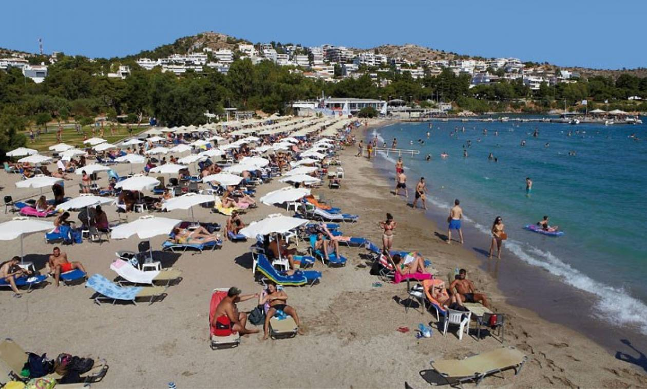 Καιρός: Γέμισαν οι παραλίες από Απρίλη – Υψηλές θερμοκρασίες σε όλη τη χώρα